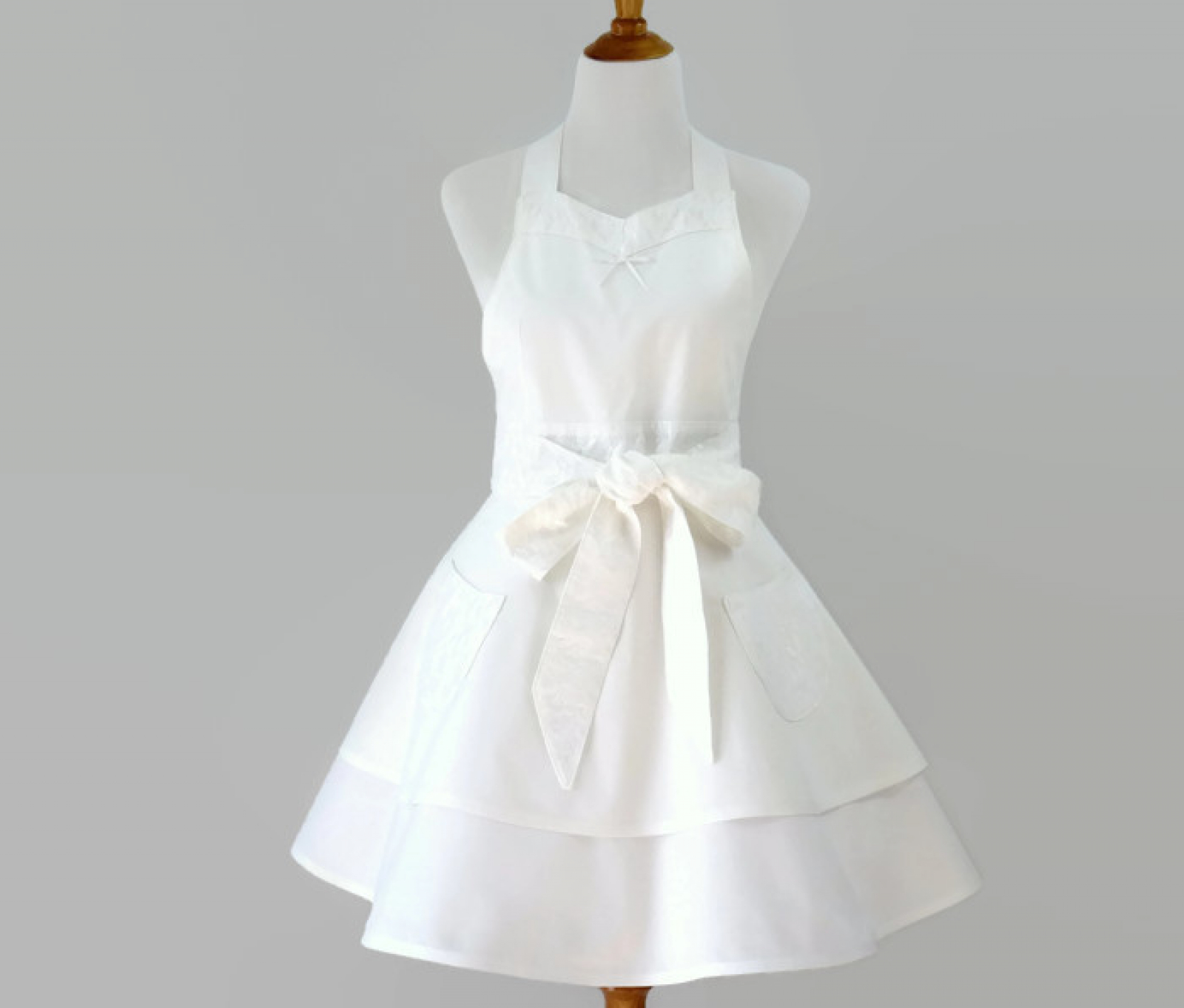 White Retro Bride Apron With Lace Trim And Optional